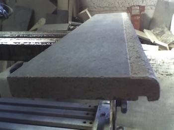 Fascia per balconi in pietra lavica pallinata
